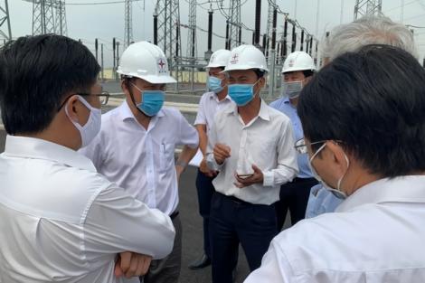 Kiểm tra hiện trường thi công lưới điện tại tỉnh Tây Ninh