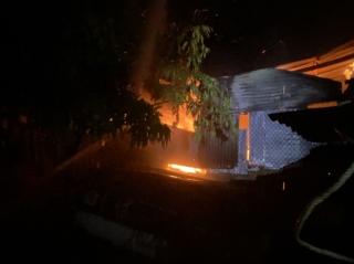 Chữa cháy nhà dân ở phường Ninh Sơn, Thành phố