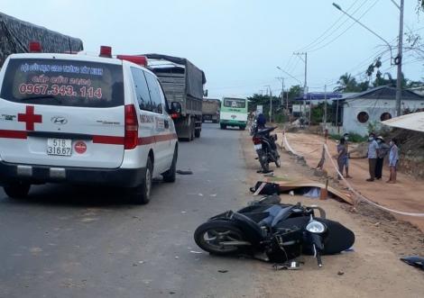 Va chạm với xe ô tô, một người đi xe mô tô tử vong