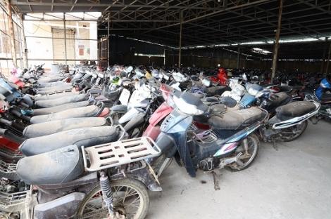 Tạm giữ 300 phương tiện mô tô vi phạm giao thông