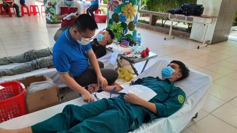 Thành phố Tây Ninh vận động hiến 270 đơn vị máu