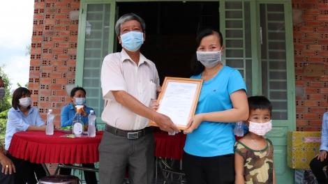 Gò Dầu trao tặng nhà Mái ấm công đoàn cho đoàn viên có hoàn cảnh khó khăn