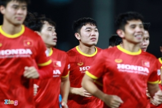 Trợ lý Lee Young-jin thay HLV Park chỉ đạo trận gặp UAE