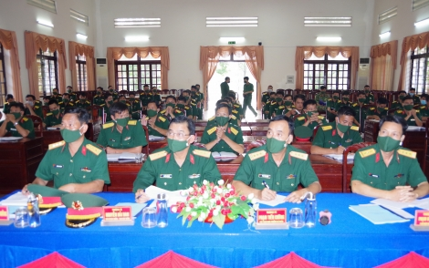 Sư đoàn 5: Kiểm tra kết quả thực hiện nhiệm vụ 6 tháng đầu năm tại Trung đoàn 271