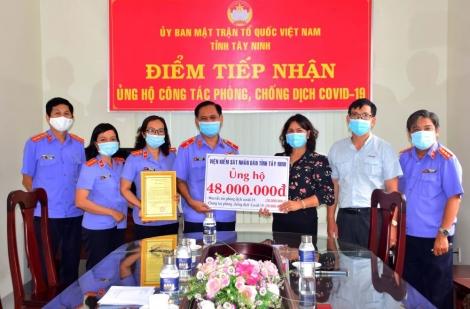 Ngành Kiểm sát Tây Ninh ủng hộ Quỹ vaccine  phòng chống Covid-19