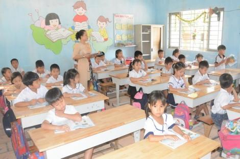 Vì sao tạm dừng đánh giá giáo viên theo chuẩn bằng cấp ?