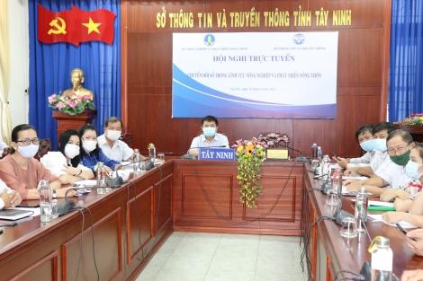 Hội nghị trực tuyến về chuyển đổi số trong lĩnh vực NN&PTNT