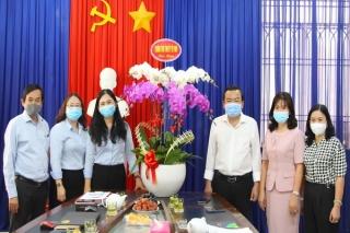 Lãnh đạo tỉnh thăm, chúc mừng Ngày Báo chí cách mạng Việt Nam