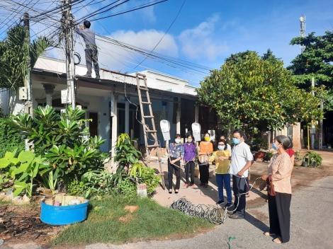 Hội Liên hiệp Phụ nữ phường Long Thành Bắc: Ra quân thực hiện công trình thắp sáng đường đô thị