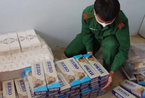 Đồn Biên phòng Kà Tum bắt giữ hơn 7.000 gói thuốc lá nhập lậu