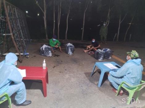 Đồn Biên phòng CKQT Mộc Bài: Bắt giữ 3 đối tượng vận chuyển thuốc lá lậu qua biên giới