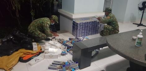 Đồn biên phòng Vàm Trảng Trâu: Bắt giữ 1.650 gói thuốc lá ngoại trên đường biên