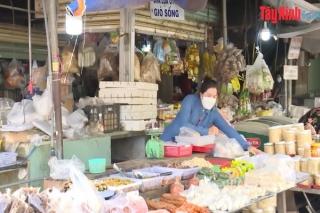 Tây Ninh: Nhiều địa phương áp dụng việc phát phiếu đi chợ theo ngày chẵn, lẻ