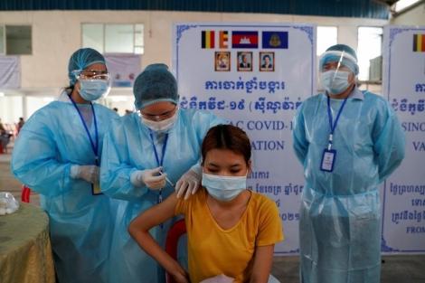 Cả Đông Nam Á vất vả với biến thể Delta, riêng Campuchia bùng phát biến chủng Alpha