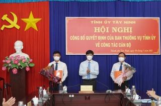 Trao Quyết định điều động Trưởng Ban Nội chính Tỉnh ủy và Bí thư Thành ủy Tây Ninh