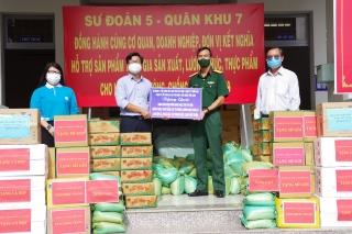 Sư đoàn 5: Hỗ trợ sản phẩm tăng gia sản xuất cho người dân ảnh hưởng dịch Coivid-19 tại Thành phố Hồ Chí Minh