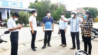 Kiểm tra công tác phòng, chống dịch Covid-19 tại Tiên Thuận, Bến Cầu