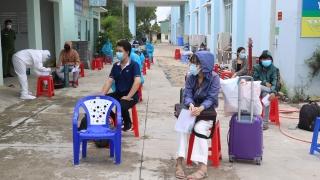 Huyện Gò Dầu đón 25 người dân về từ Thành phố Hồ Chí Minh