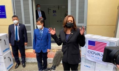 Phó Tổng thống Mỹ Kamala Harris chứng kiến lễ trao vắc-xin cho Hà Nội