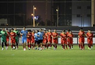 Đội tuyển Việt Nam tập buổi đầu tiên tại Saudi Arabia, Văn Lâm báo tin vui cho thầy Park