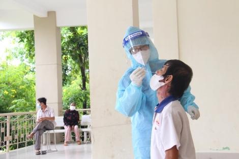 """Xét nghiệm sàng lọc SARS-CoV-2 đợt 3, đánh giá đúng nguy cơ dịch trong cộng đồng, mức độ các vùng an toàn để thực hiện """"mục tiêu kép"""""""