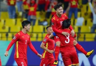 Duy Mạnh nhận thẻ đỏ, tuyển Việt Nam thua đáng tiếc Ả Rập Xê Út