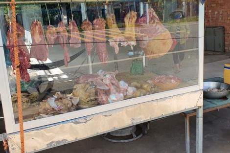 """Người tiêu dùng không nên """"quay lưng"""" với thịt trâu, bò sạch"""