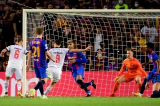 Bayern thắng 3-0 trước Barca