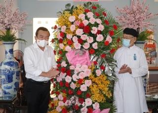 Thăm, chúc mừng tôn giáo Cao Đài nhân dịp Đại lễ Hội yến Diêu Trì cung năm 2021