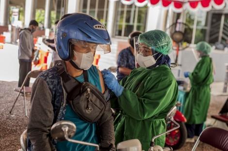 COVID-19 vừa lắng, Indonesia lại sắp đối diện với làn sóng dịch mới?