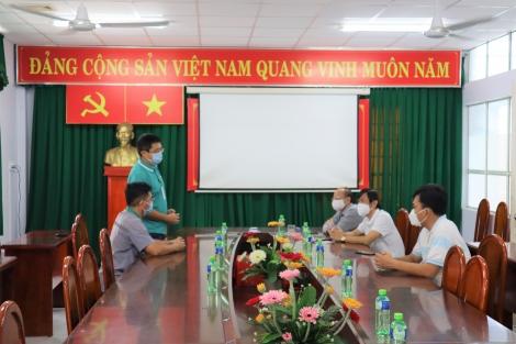 Sở Y tế tiếp nhận vật tư y tế từ Công ty JinYu (Việt Nam) Tire