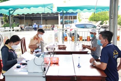 Ngày đầu tiếp dân tại Phòng Cảnh sát giao thông và Cảnh sát Quản lý hành chính về trật tự xã hội