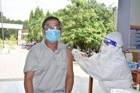 Huyện Dương Minh: Tỷ lệ tiêm vaccine phòng Covid-19 đạt khoảng 40%