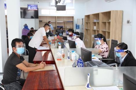 Thị xã Hoà Thành: ngày đầu thực hiện lại tiếp nhận thủ tục hành chính tại bộ phận Một cửa