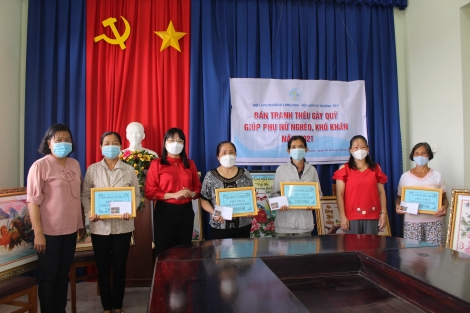 Thị xã Hoà Thành: Giúp vốn cho phụ nữ nghèo, khó khăn