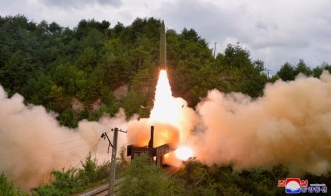 Triều Tiên phóng vật thể không xác định xuống biển