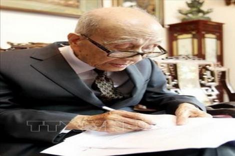 Giáo sư - Anh hùng Lao động Vũ Khiêu qua đời ở tuổi 105
