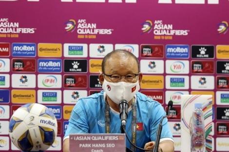 HLV Park Hang-seo nhận lỗi sau thất bại 2-3 trước tuyển Trung Quốc