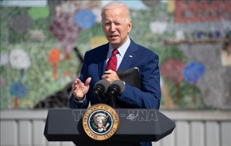 Tổng thống Mỹ vận động thực hiện quy định tiêm chủng bắt buộc