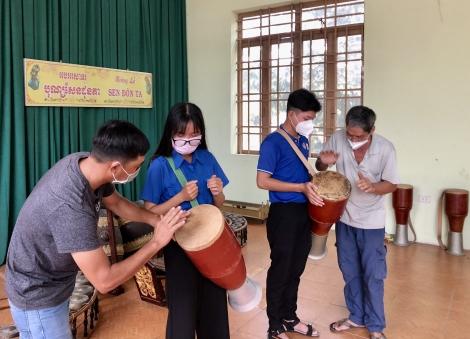 Tìm hiểu Di sản văn hóa phi vật thể quốc gia múa trống Chhay-dăm