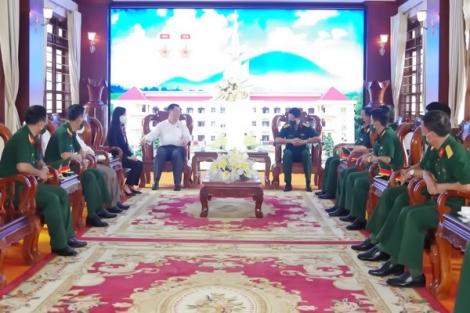 Trưởng ban Tuyên giáo Trung ương Nguyễn Trọng Nghĩa thăm Sư đoàn 5