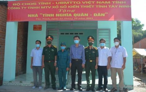 Bộ CHQS tỉnh tặng nhà tình nghĩa quân dân tại Châu Thành