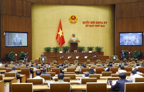 Ngày 22/10, Quốc hội tiếp tục thảo luận ở tổ và hội trường về những vấn đề được cử tri quan tâm