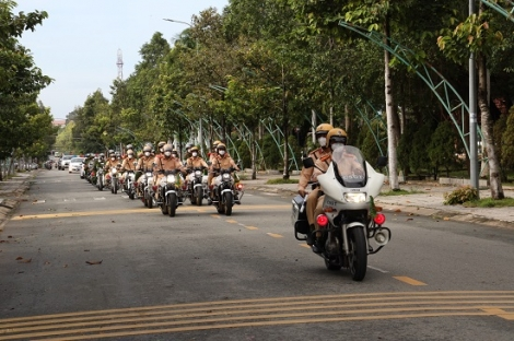 Ra quân cao điểm tấn công, trấn áp tội phạm, bảo đảm trật tự an toàn giao thông