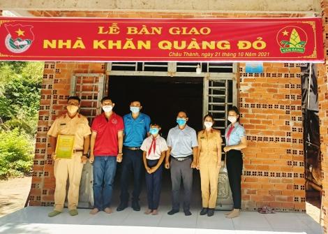Huyện Châu Thành: Trao tặng nhà Khăn quàng đỏ cho học sinh có hoàn cảnh khó khăn